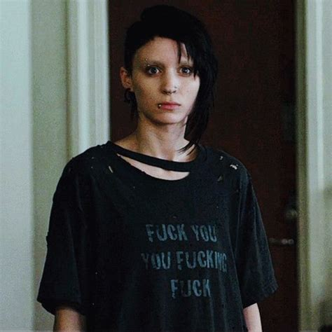 rooney mara the girl with the dragon tattoo lisbeth salander on