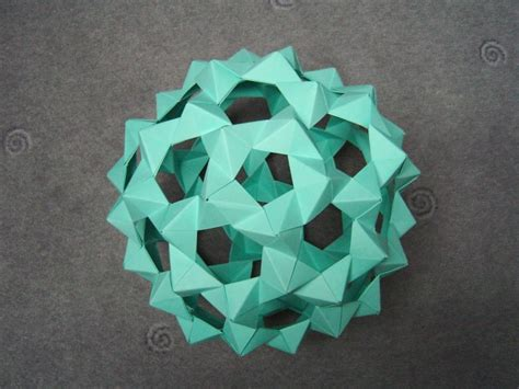 modular origami balls and polyhedra folded by micha蛯