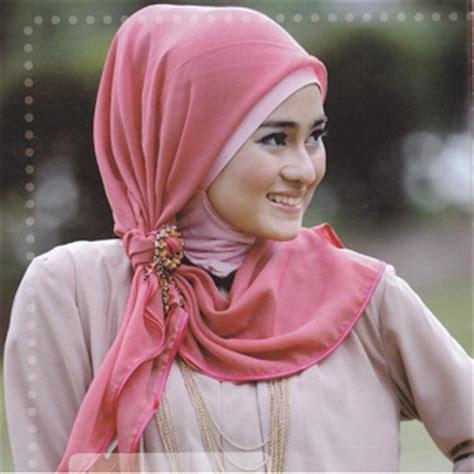Khimar Artinya inilah perbedaan pengertian jilbab khimar dan kerudung