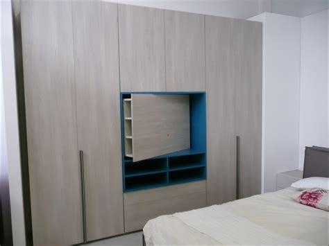 armadio tv armadio style con vano tv e cassettiere di dielle modus
