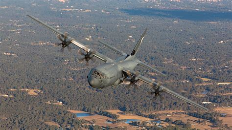 australian airforce watch this australian air force plane dump flares north of
