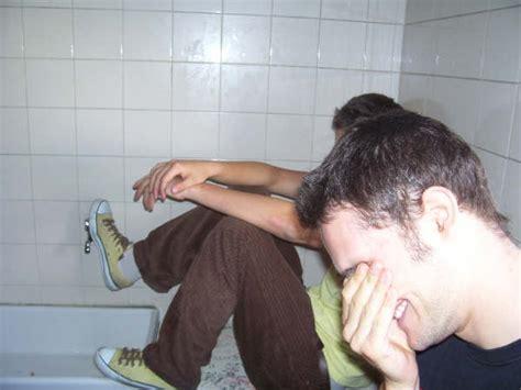 sega in bagno bagni della scuola nonciclopedia fandom powered by wikia