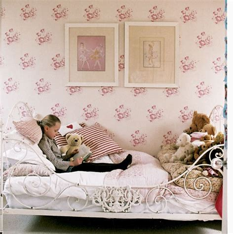 girls pink bedroom wallpaper girl s pink bedroom take a look around this relaxed