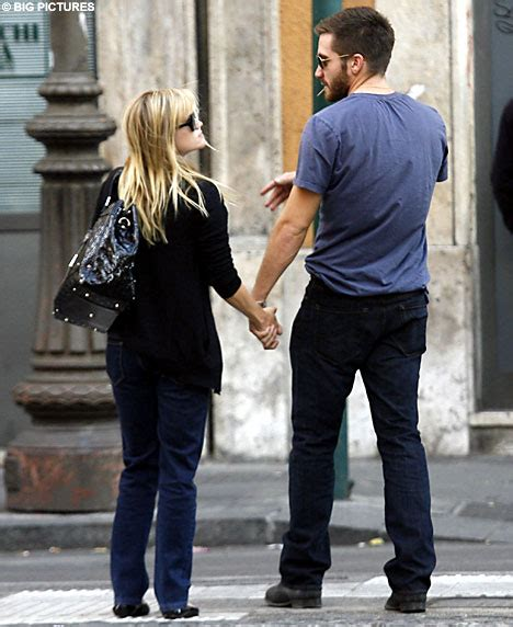 New Alert Reese And Jake by Jake Gyllenhaal And Reese Witherspoon Get Cuddly In Rome