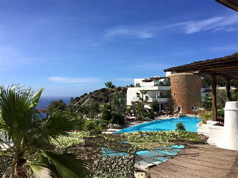 Detox Pool 2017 by Where To Relax And Detox In Ibiza Travel Detox