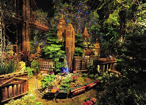 Holiday Train Show Nyc Landmarks Flickr Photo Sharing Show At Botanical Garden