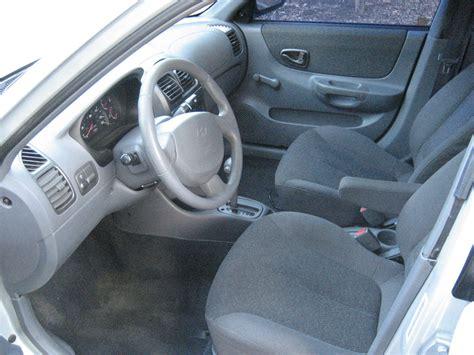 Hyundai Accent 2001 Interior 2001 hyundai accent pictures cargurus