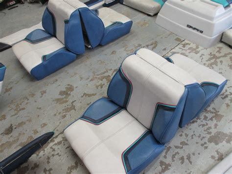 Bayliner Upholstery by Bayliner Interior Pictures To Pin On