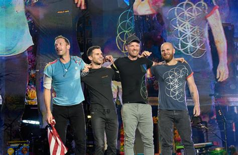 coldplay net worth 2017 how old is chris martin what s his net worth who s his