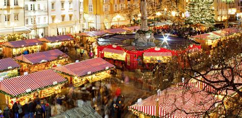 christmas decorations in italy facts finding the spirit in markets around italy l italo americano italian american
