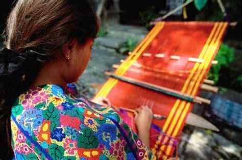 imagenes telar maya historia de los tejidos mayas el telar de cintura