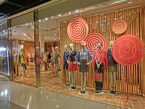 Drapery Shop File Hk Central Ifc Mall Interior Evening Shop Window