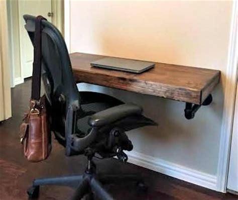Small Working Desk Best 25 Small Office Desk Ideas On Office Room Ideas Small Bedroom Office And