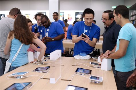apple employee drawn to business improving customer retention huffpost