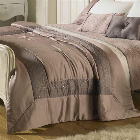 Where To Throw Furniture In Dubai - buy bed throws valances skirting in dubai