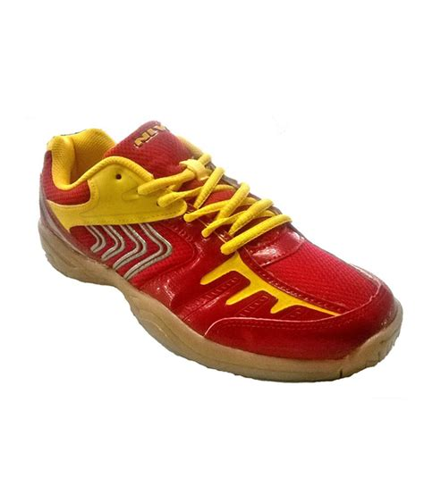 nivia sport shoes nivia hy court shoes price in india buy nivia hy