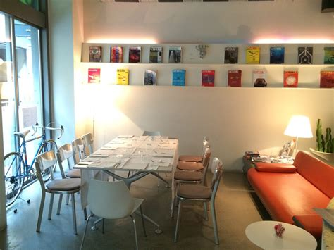 design library cafe milano via savona la design library di via savona a milano