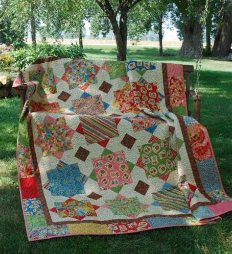 large pattern fabric quilt preview of livin large trends and traditions