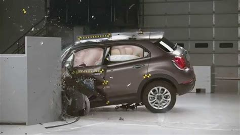 fiat 500x test fiat 500x crash test 2016 small overlap iihs