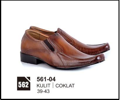 Sandal Kulit Pria Original Branded Bandung Murah Bdlsdb 332 jual sepatu kerja pria kulit branded original cibaduyut murah 083870688184 jual sepatu casual