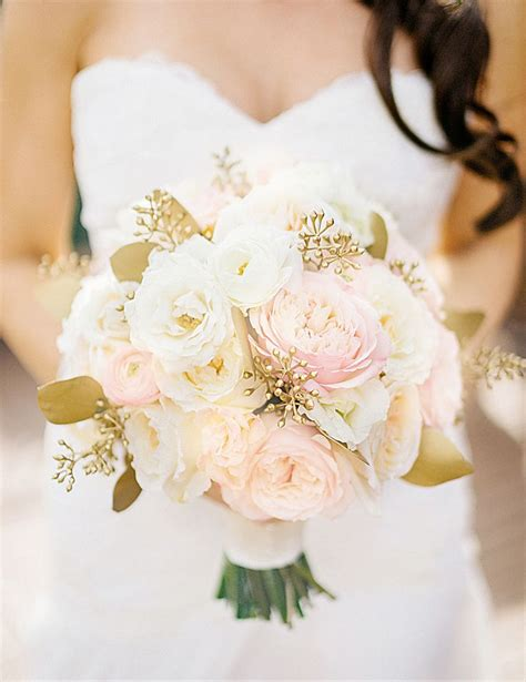 Flower Ideas Gold Wedding by 25 Best Ideas About Gold Weddings On