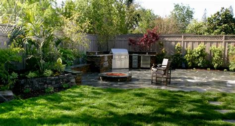 small yard landscape ideas newest home lansdscaping ideas