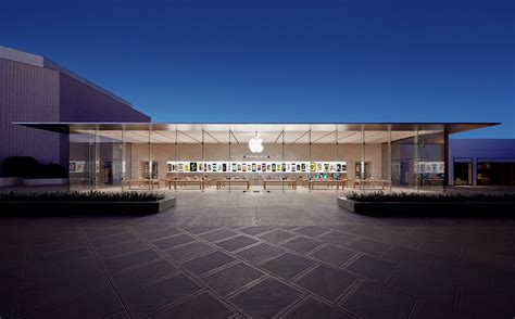 Design Store Moss Opens In La by Several U S Apple Stores Will Be Open On Thanksgiving Day