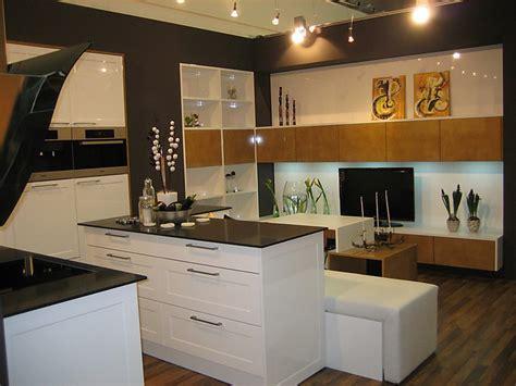 Italienische Küchen Abverkauf by Ausstellungsk 252 Chen Abverkauf Dockarm