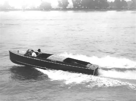 cigarette boat get its name why do they call them cigarette boats quora