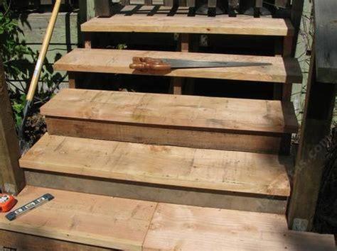 build  simple  cheap wooden steps