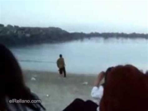 chicas en la playa youtube chica ense 241 a pechos en plena playa youtube