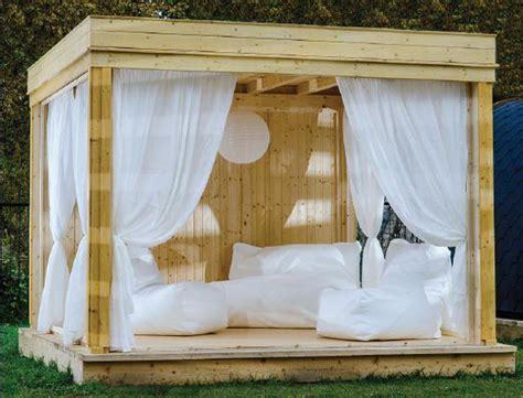 gazebo economico gazebo in legno in giardino per ricreare una comfort zone