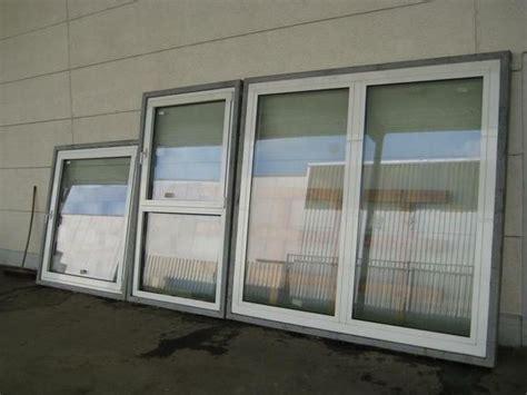 Fensterelemente Kunststoff by Drei Gro 223 E Fensterelemente 187 Fenster Roll 228 Den Markisen