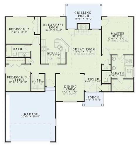 plan 110 00935 3 bedroom house plan 110 00424 ranch plan 1 560 square feet 3