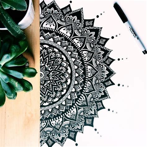 Sketches Zen App by 25 Best Ideas About Mandala Drawing On