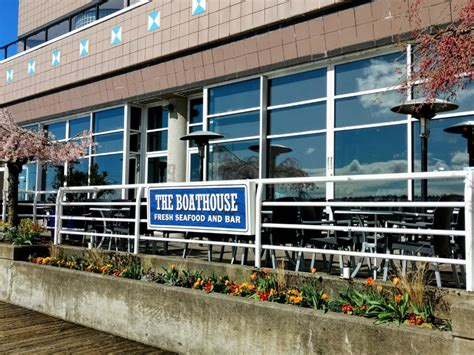 westminster boat house the boathouse restaurant new westminster bc 900