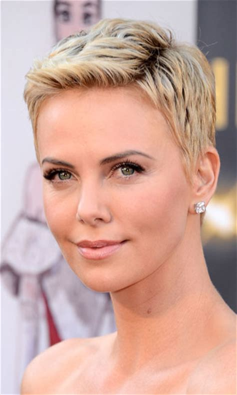 hair styles for an oval shaped face over 40 styles for women over 50 and oval shaped face