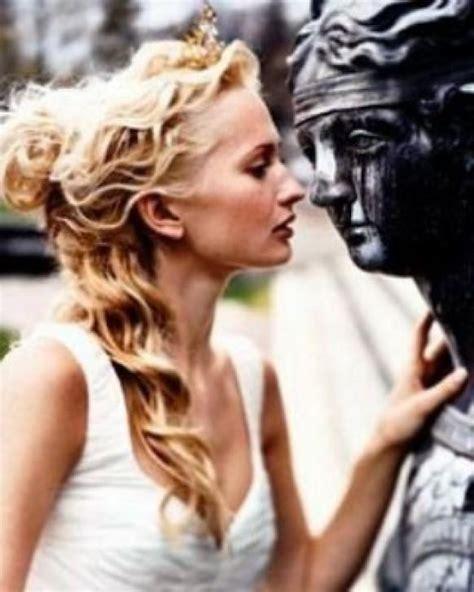 roman goddess hairstyles long hair half up and half down bridal hairstyles women hairstyles