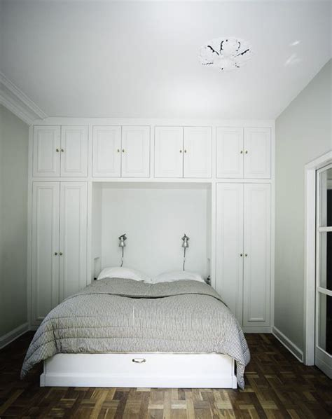 Bedroom Built Ins Around Bed Check Out The Built In Closet Around The Bed G S Room