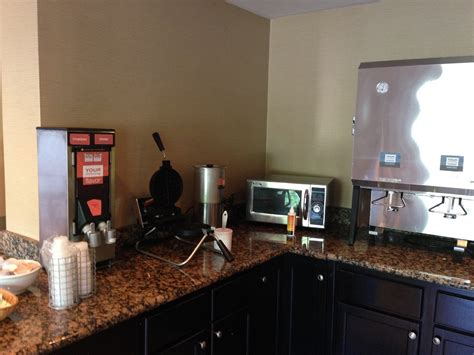 comfort suites charlotte airport quick weekend in the bahamas intro and comfort suites