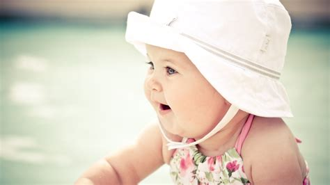 desktop wallpaper hd cute baby cute baby with hat wallpapers hd wallpapers id 12171