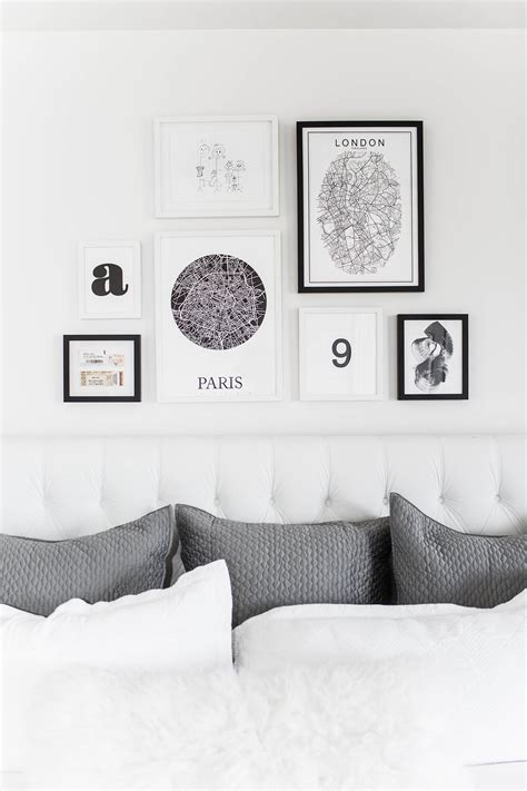 Bedroom Wall Frame Decor by Bedroom Gallery Wall Hello Fashion