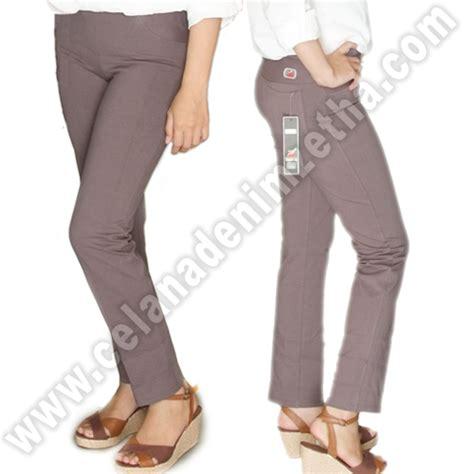 Celana Prisket Dusty Navy celana zetha katun warna abu asap celana denim zetha