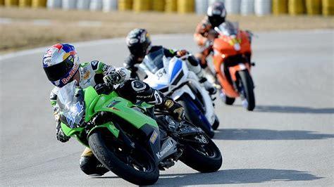 bes milli motosikletci piste cikacak