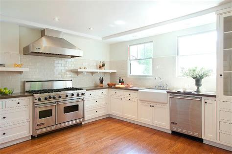 why kitchen cabinets go to the ceiling why do kitchen cabinets not go to the ceiling