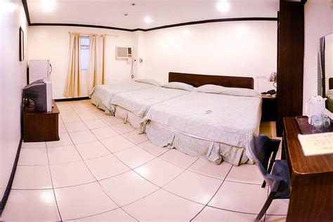 matrimonial bed family room 4 persons crowne garden hotel cebu