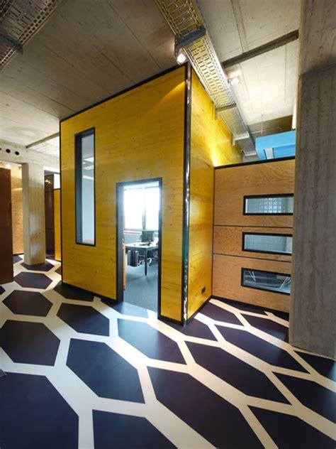 intriguing real estate office design in munich