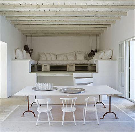 tavolo con sedie diverse idee decor il tavolo circondato da sedie diverse