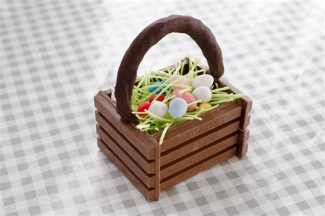 How To Make A Easter Basket Out Of Paper - how to make a easter basket hgtv