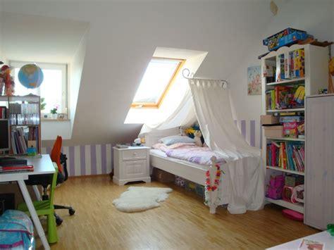 kinderzimmer mit dachschräge dachschr 228 ge kinderzimmer einrichten haus design m 246 bel